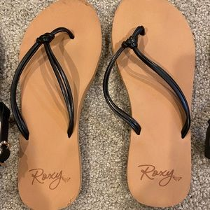 Girls size 4 black sandals (3 pair)